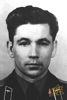 http://www.spacefacts.de/bios/portraits/cosmonauts/nelyubov.jpg
