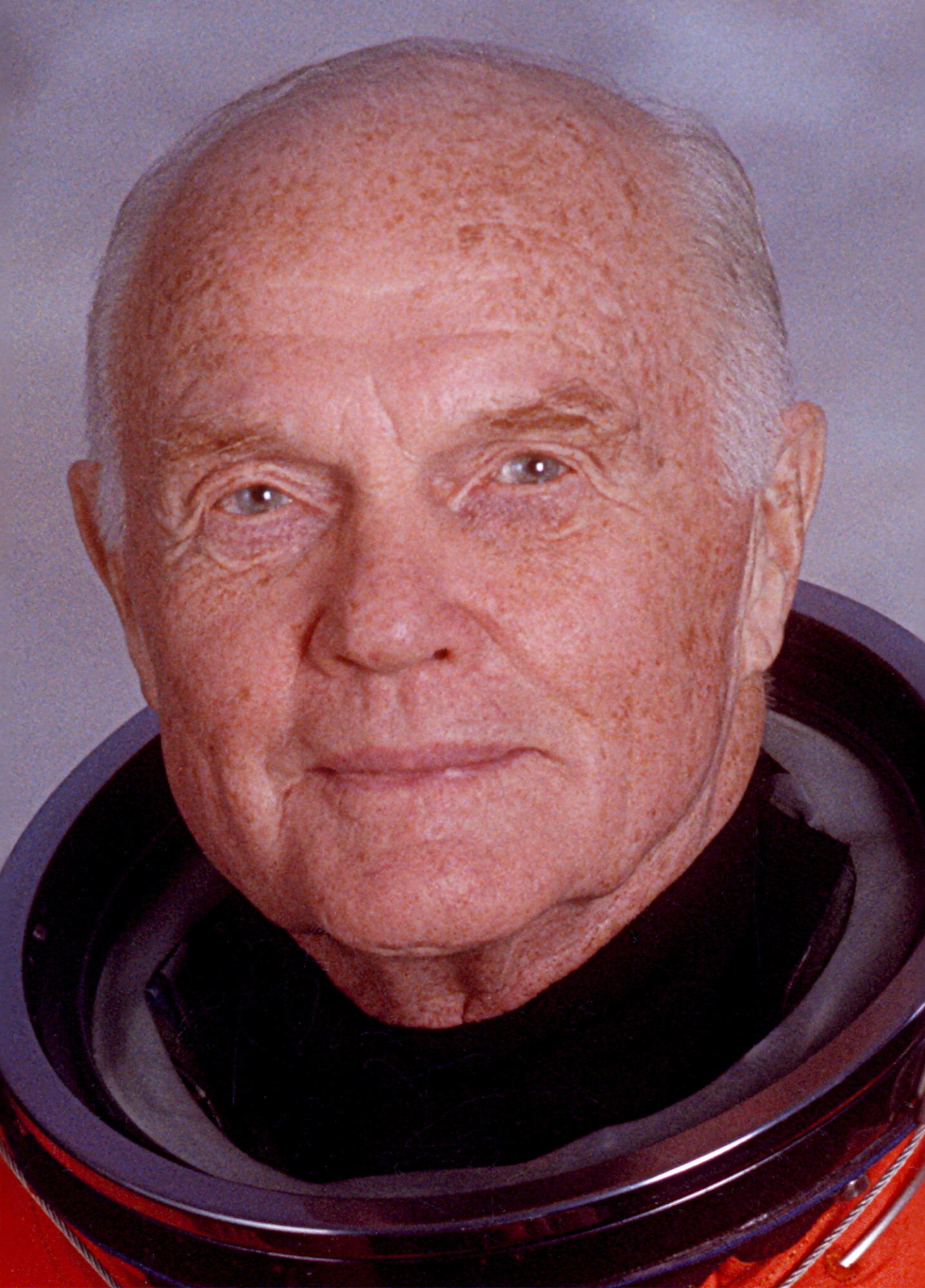 john glenn biography John herschel glenn jr, was a military test pilot, selected by nasa for its maiden manned space flight part of the mercury seven project, he was a back up to the first two americans, alan shepard and virgil 'gus' grissom in space.