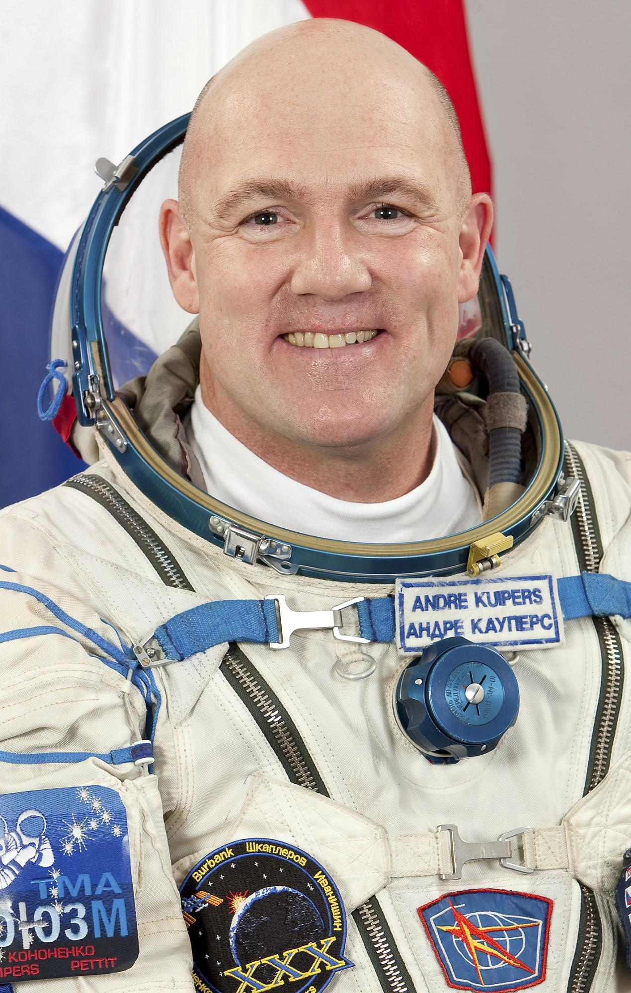 HD wallpaper Foto amazing Astronaut sch n Erde hipster