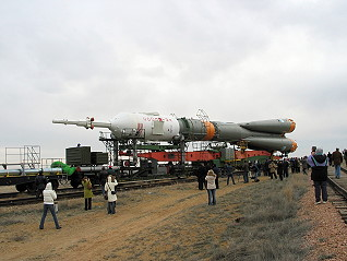 Soyuz TMA-10 on the way to the pad