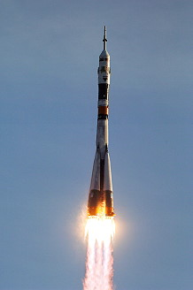 Soyuz TMA-8 launch