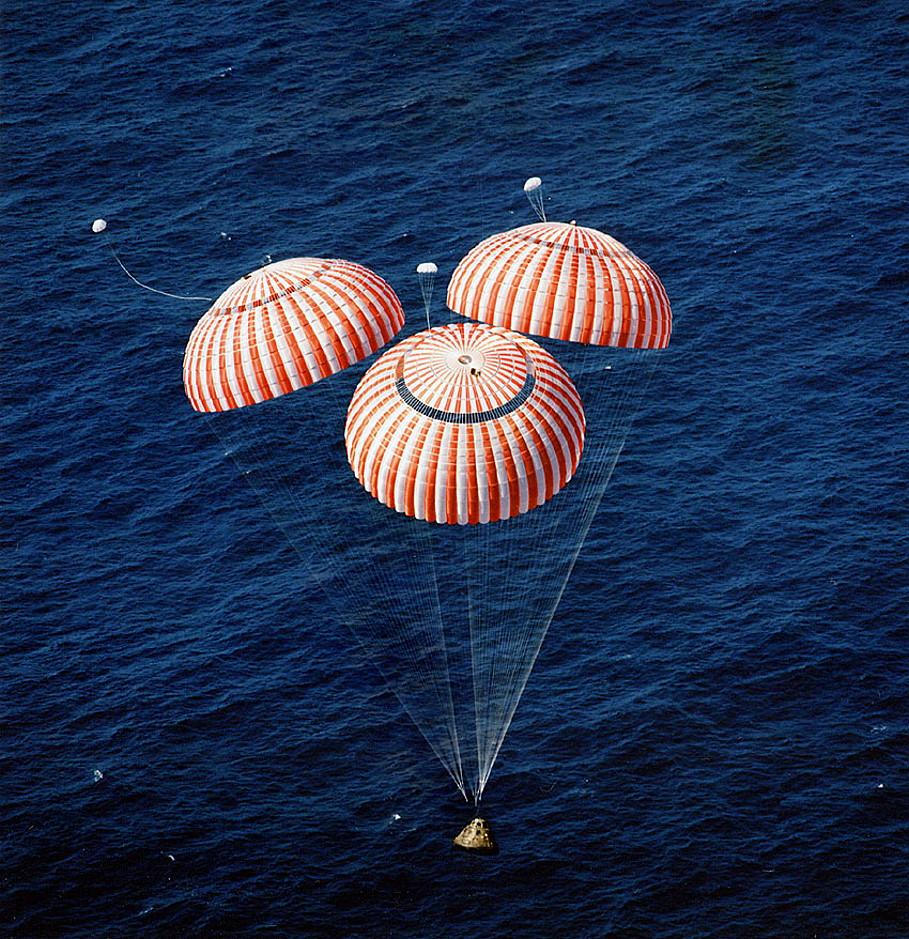 parachute module moon landing - photo #35