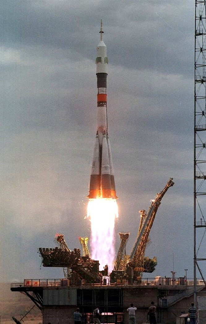 Russian Space Shuttle Soyuz - Pics about space
