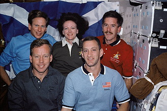 traditionelles Bordfoto STS-104