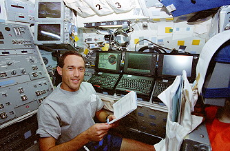 Newman an Bord des Space Shuttle