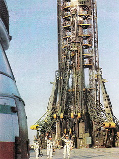 Crew Soyuz T-6 at the launch pad