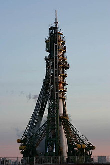 Soyuz TM-10 on the launch pad