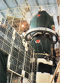 Integration Soyuz TM-9