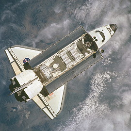 STS-104 im Orbit