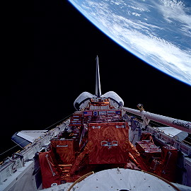 STS-82 im Orbit