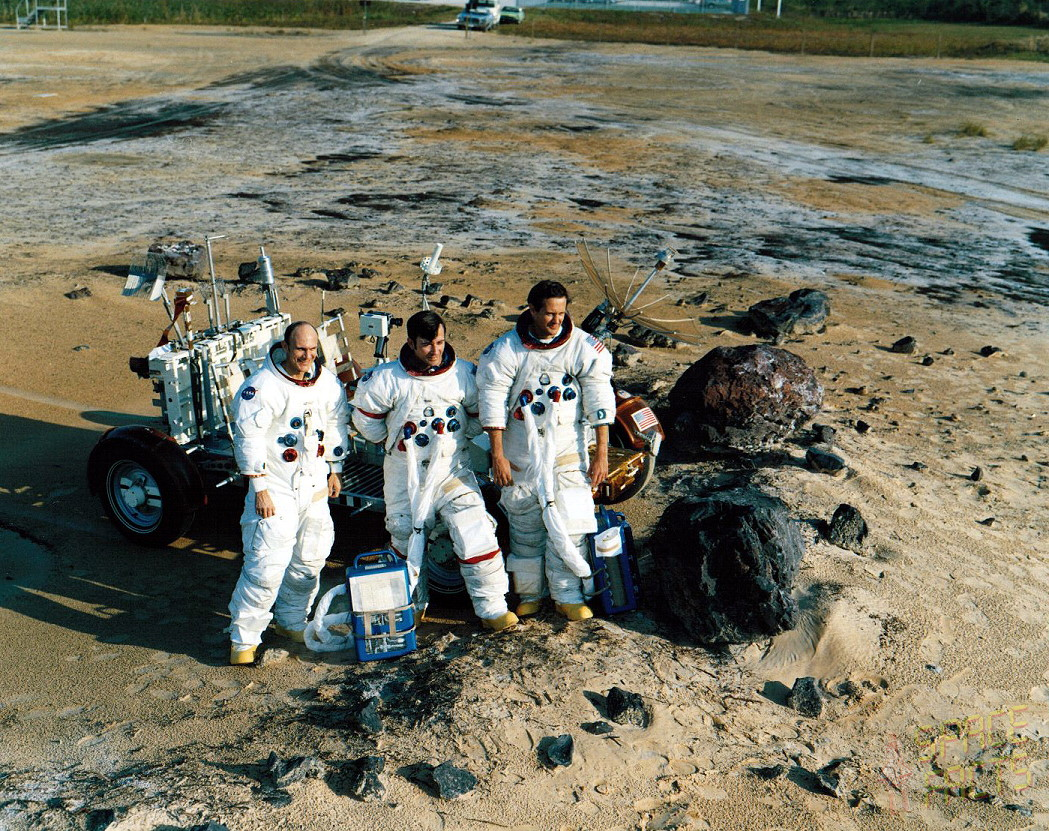 [Image: apollo-16_5.jpg]