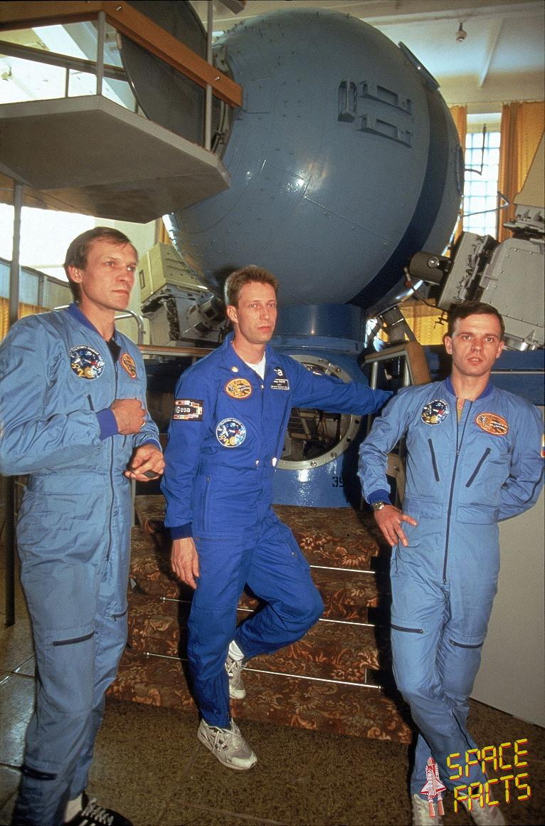 Crew Soyuz TM-22
