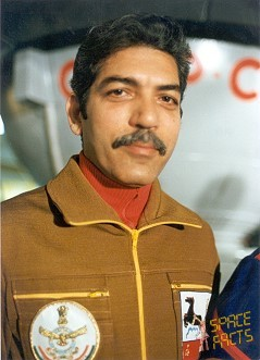 indian astronauts ravish malhotra - photo #4